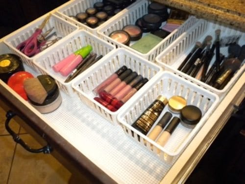 50-Genius-Storage-Ideas-all-very-cheap-and-easy-Great-for-organizing-and-small-houses-basket