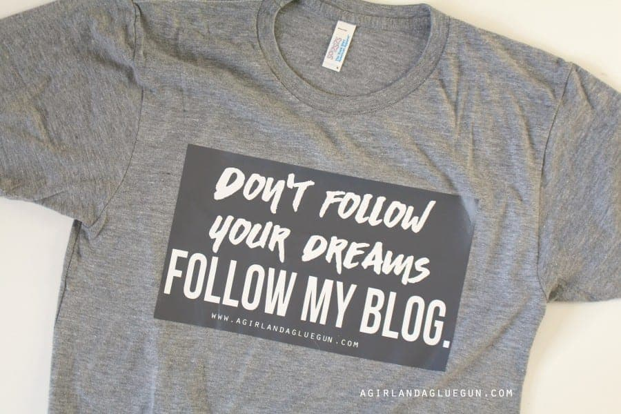 1d2aa40562 But I wanted to show you this fun blogger shirt I made: blog shirt