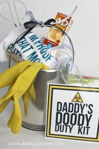 funny baby shower gift–Daddy doody duty kit!