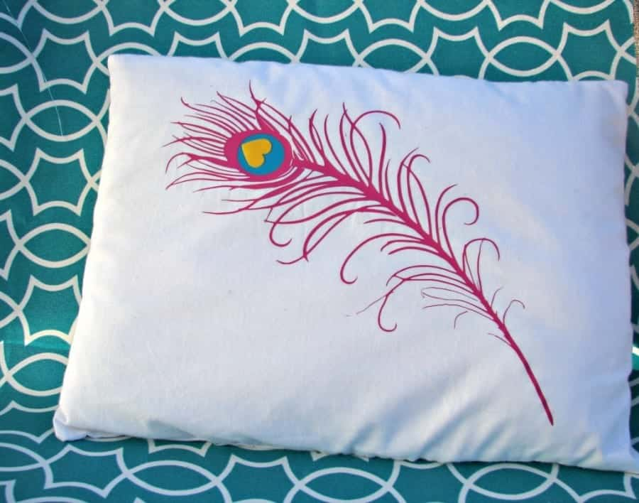 peacock-feather-pillow-1024x805