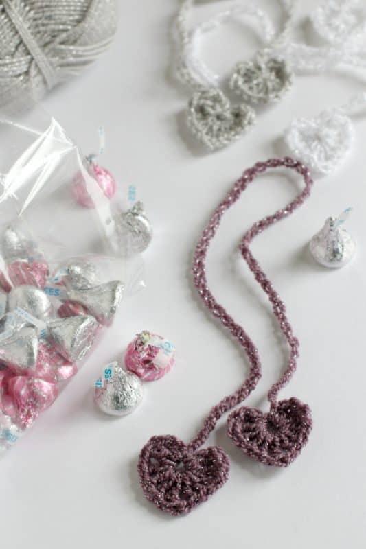 Make-Crochet-Heart-Chain-Stitch-Ribbons