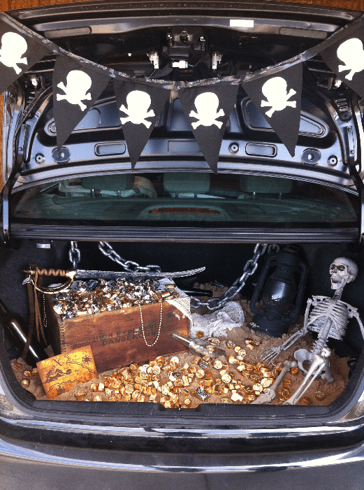 pirate-trunk-or-treat & 40 of the best Trunk or Treat Ideas - A girl and a glue gun