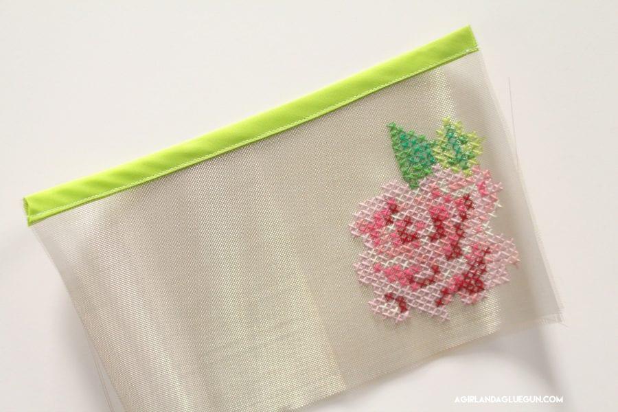 fun-rose-embroidery-art