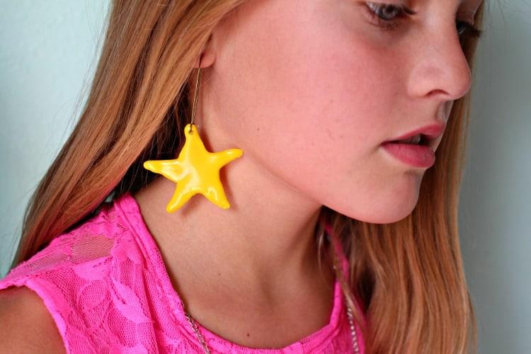 glue-gun-earrings