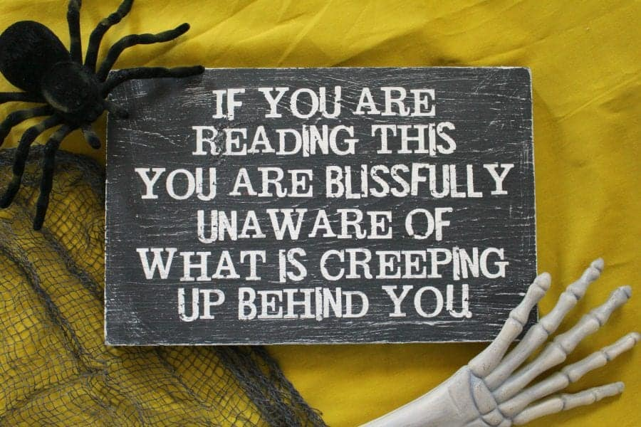 scary-halloween-sign