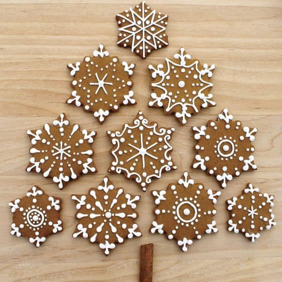 gingerbread-snowflake-cookies