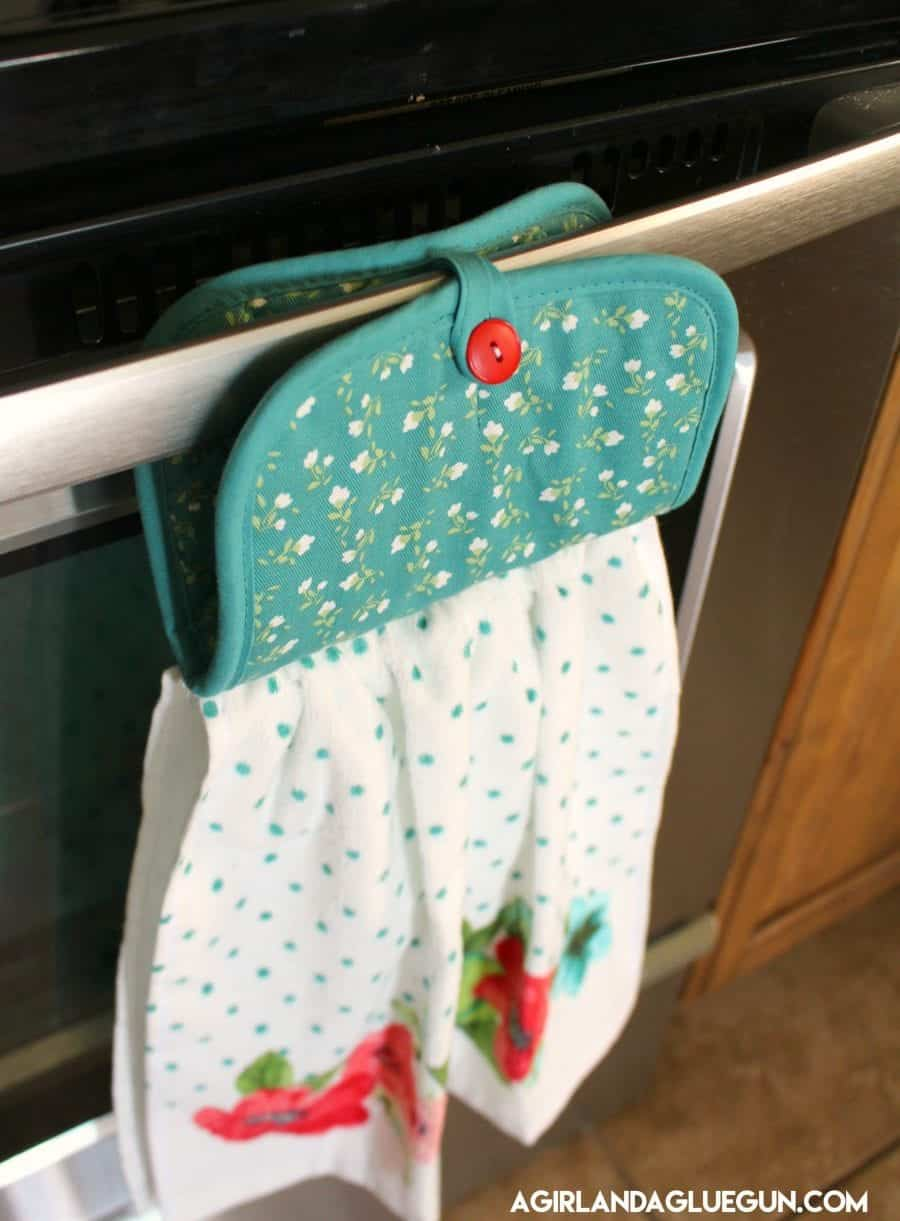 Pot Holder + Dish Towel = No Slip Dishtowel