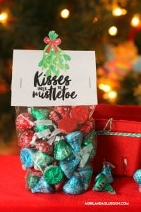 Mistletoe gift ideas–free printables