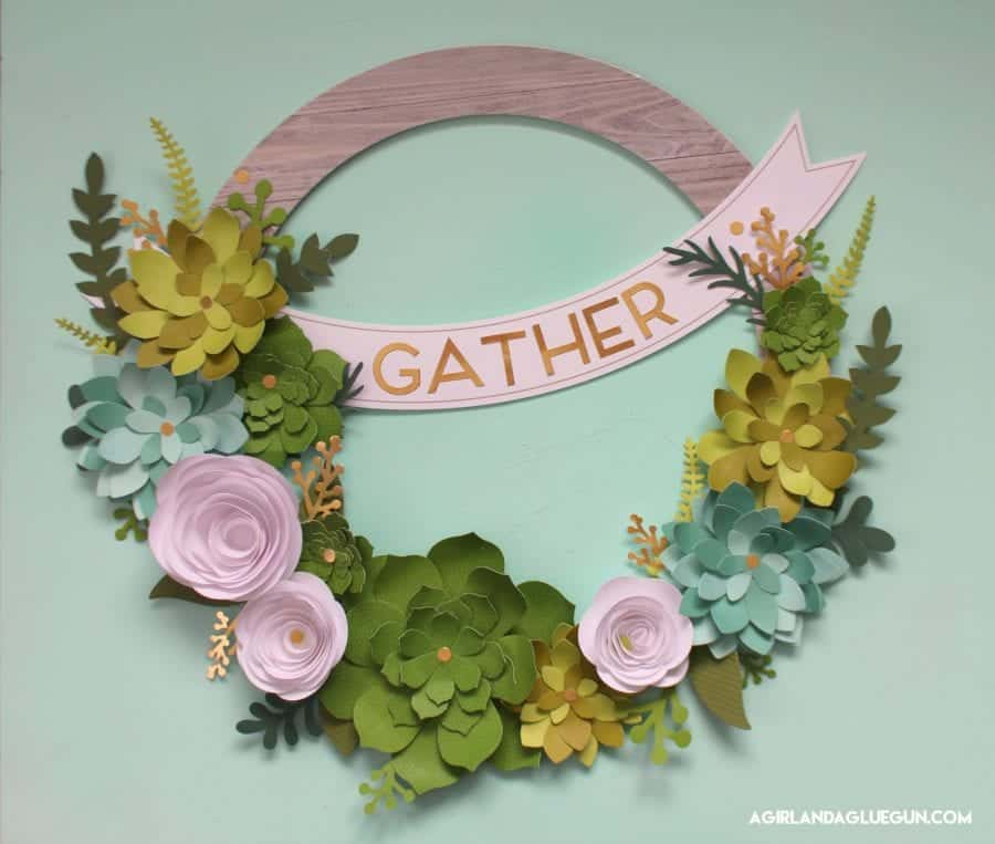 love this fun succulent wreath