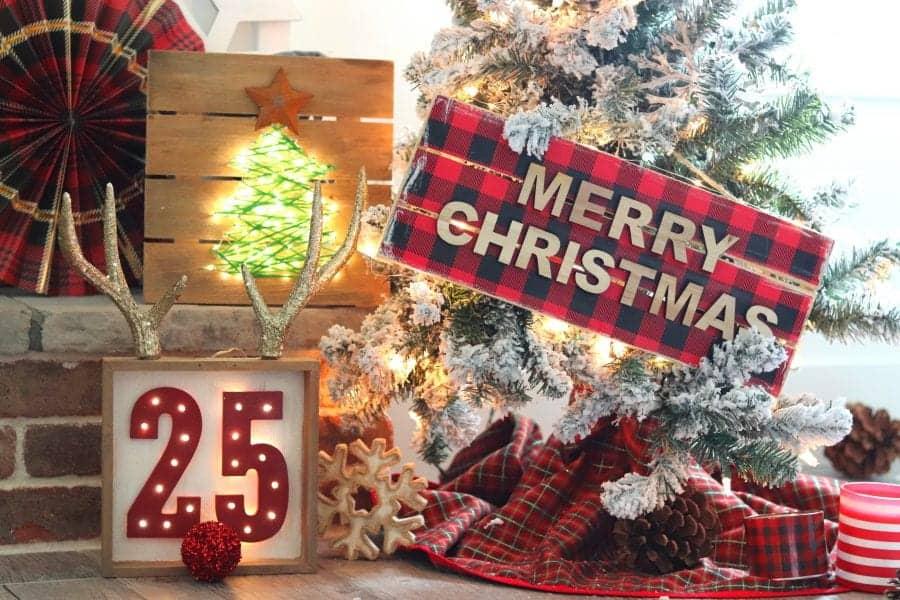 Hobby Lobby Christmas Lights.Lighted Christmas Sign 3 Ways A Girl And A Glue Gun