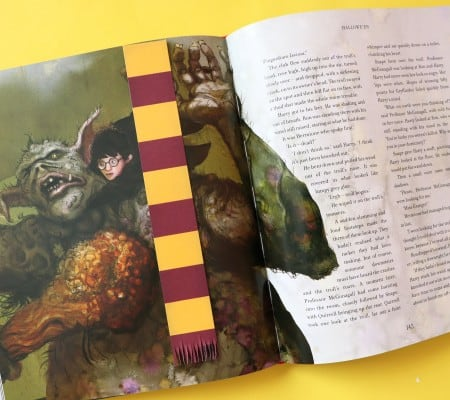 harry potter house scarf bookmarks with free printables