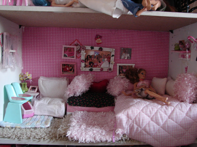 I Thought It Would Be Fun To Show You Updated Pictures Of The Barbie House My Daughter Loves Decorating It And Redecorating So Here Is How It Looks