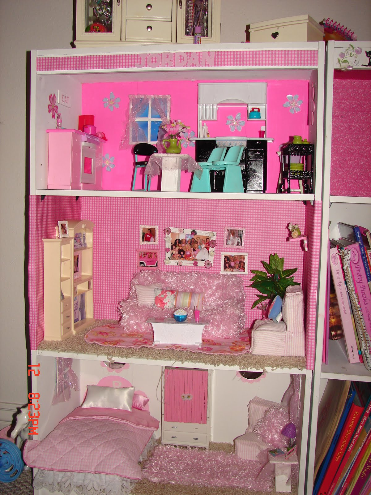 Diy barbie house from a shelf a girl and a glue gun for Make my house